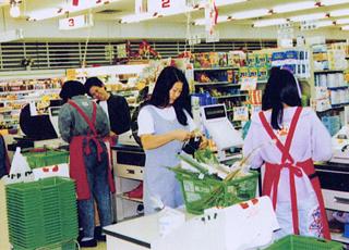 トレセンマーケット開店当初の様子